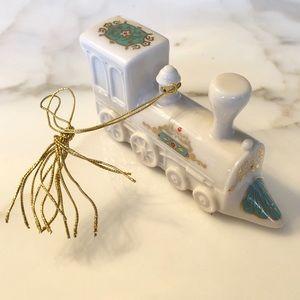 🎄🚂 Lenox Train Ornament